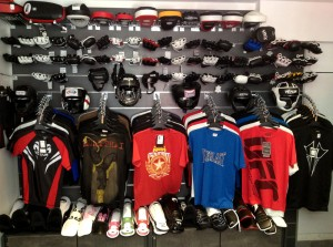 Quelques Pattes d'Ours, Casques et du Sportswear